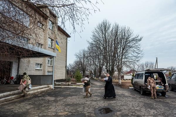 Český Mikuláš přijel v prosinci 2019 i do frontové vesnice Pervomajske. Foto: Miroslav Hodeček, SHPaRS